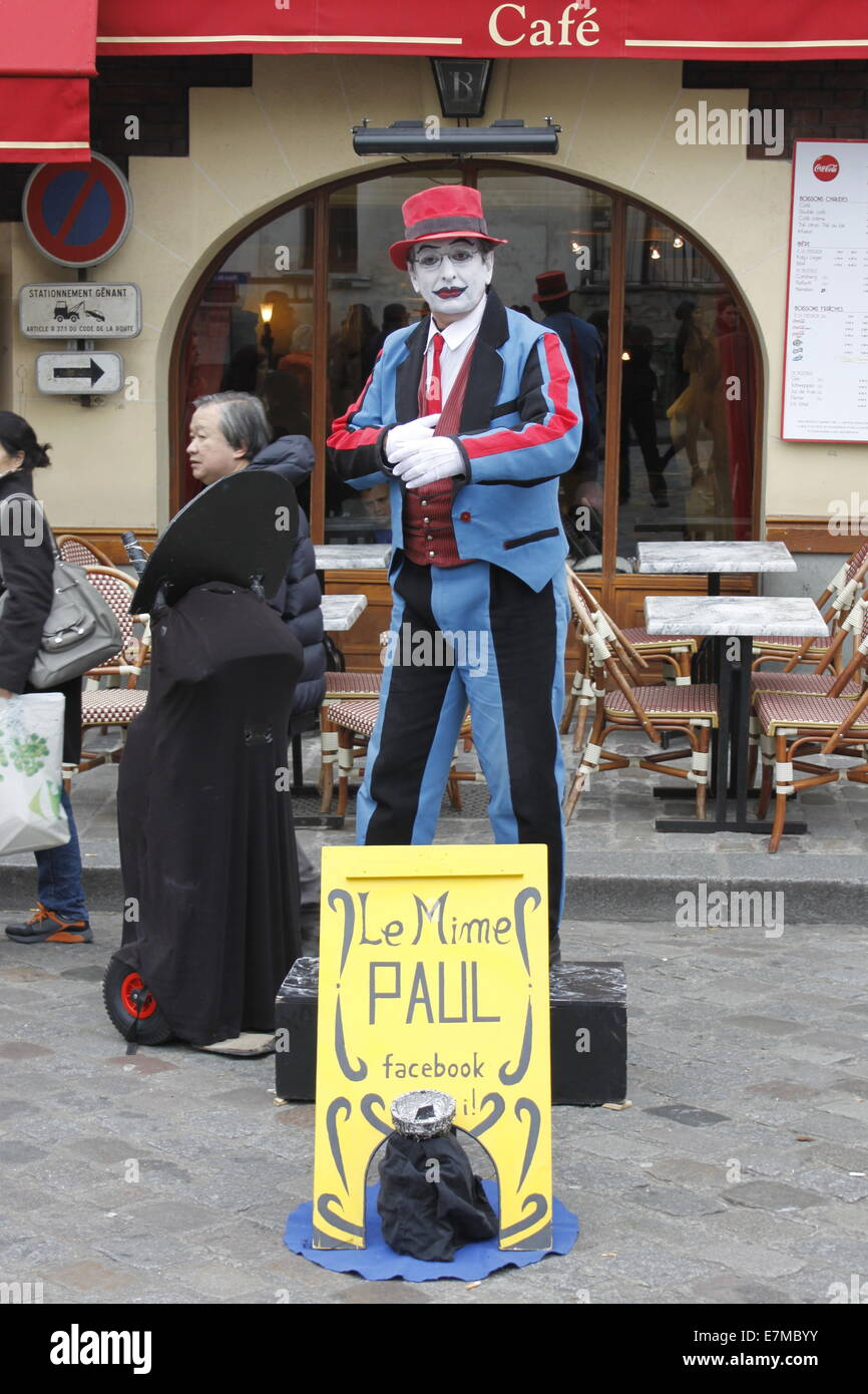 Mime in Montmartre, city of Paris, french capital, Ile-de-France, France. - Stock Image