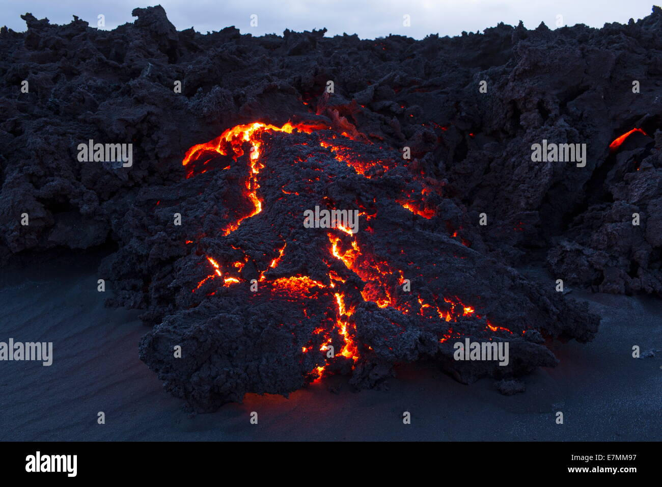 New and burning hot lava from the eruption in Bardarbunga, highlands of Iceland - Stock Image