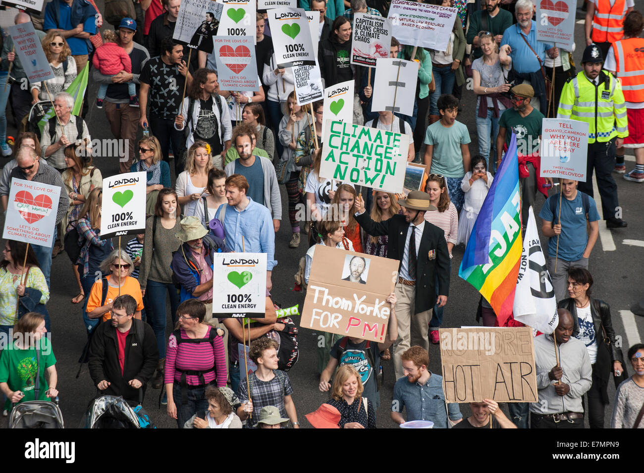 London, UK. 21st Sep, 2014. Marchers hold placards aloft, some printed and some hand-made, at the Climate Change - Stock Image
