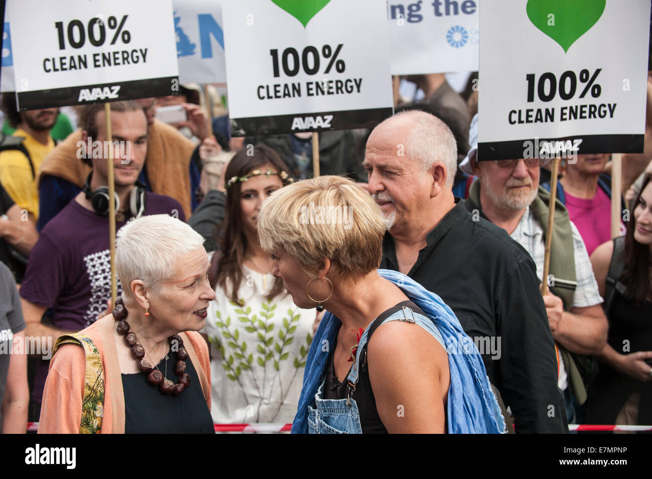 London, UK. 21st Sep, 2014. Vivienne Westwood talks to Emma Thompson with Peter Gabriel behind at the Climate Change - Stock Image