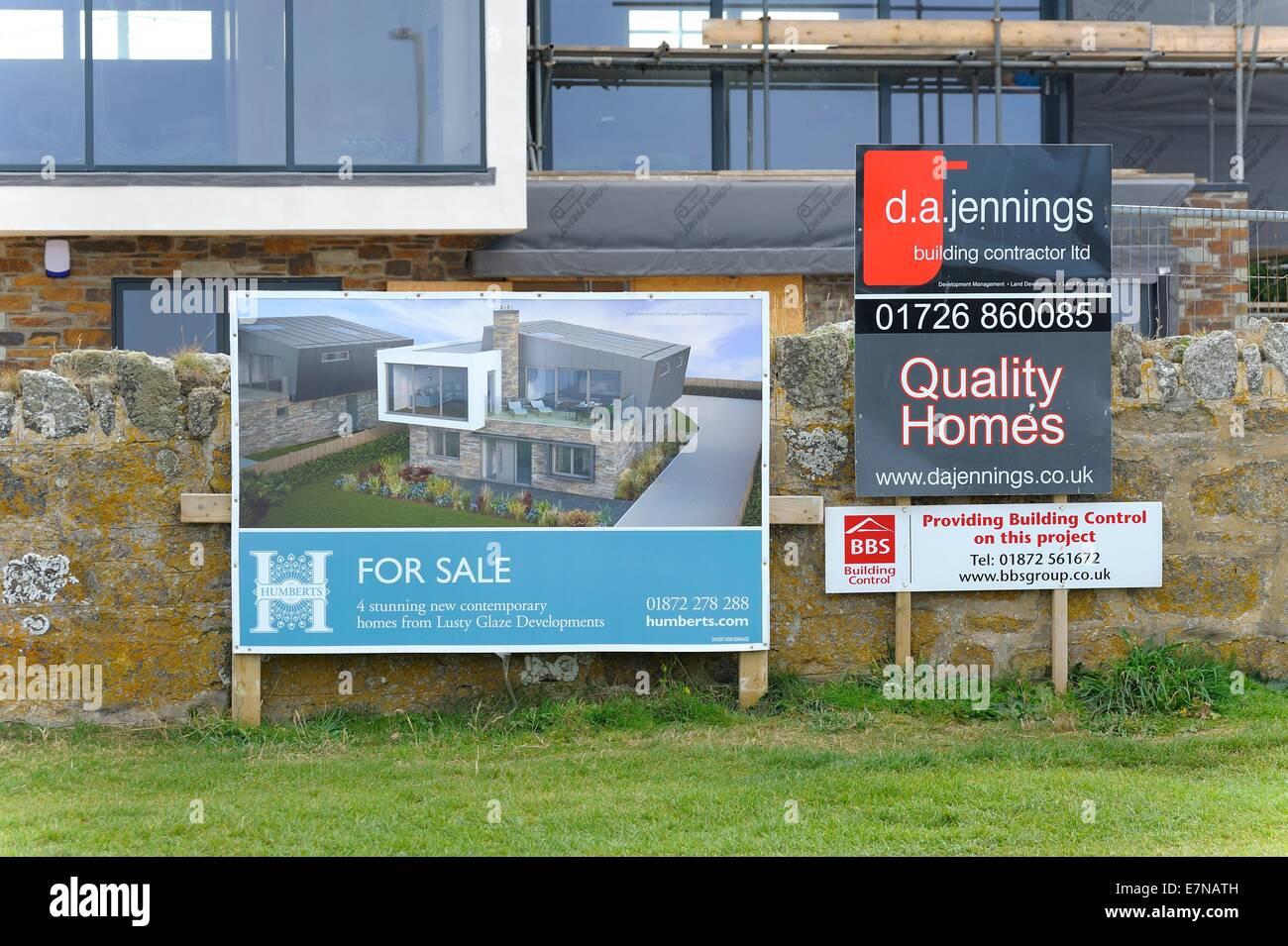 New Build Homes With Sea Views Lusty Glaze Newquay Cornwall England Uk    Stock Image