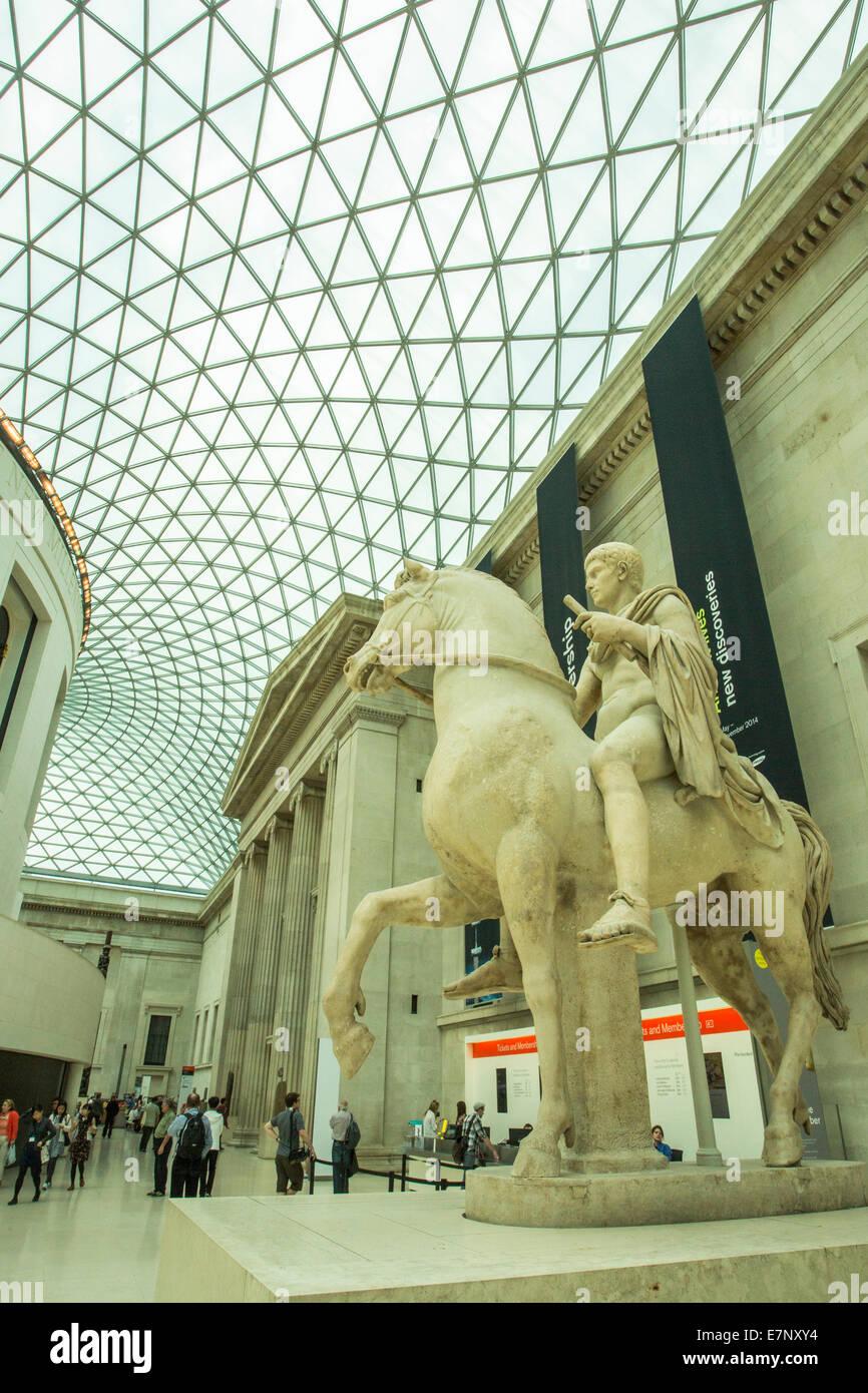 British, British Museum, London, England, UK, architecture, art, big, ceiling, columns, covered, culture, hall, - Stock Image