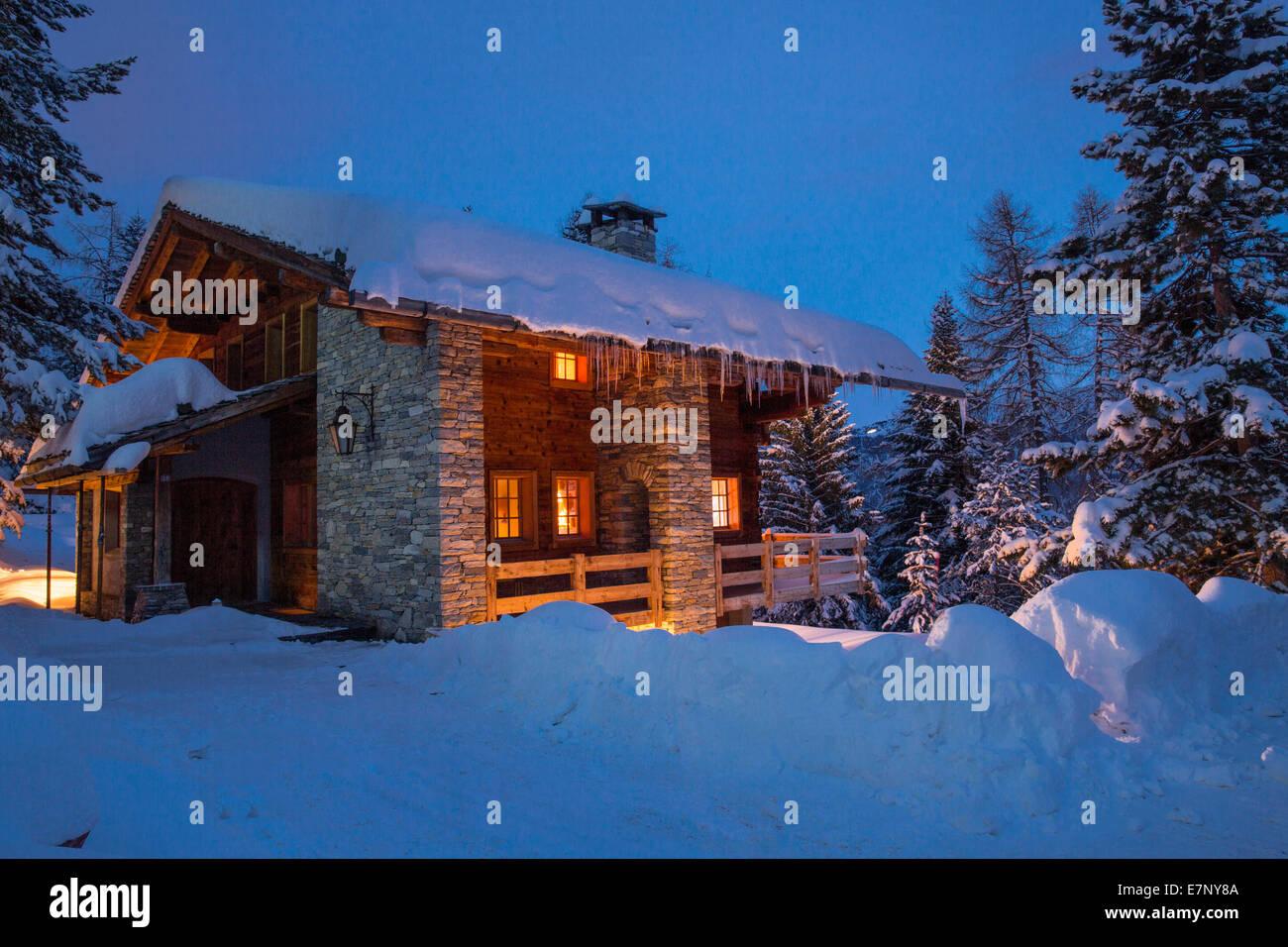 Chalet, summer cottage, Ovronnaz, winter, canton, VS, Valais, building, construction, night, dark, Switzerland, - Stock Image