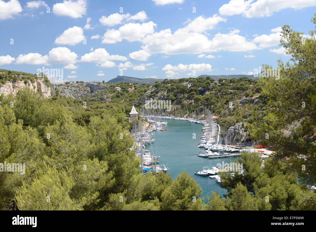 Europe, France, Provence-Alpes-Côte d'Azur, Provence, Cassis, Calanque, Port Miou, port, harbour, yachting, - Stock Image