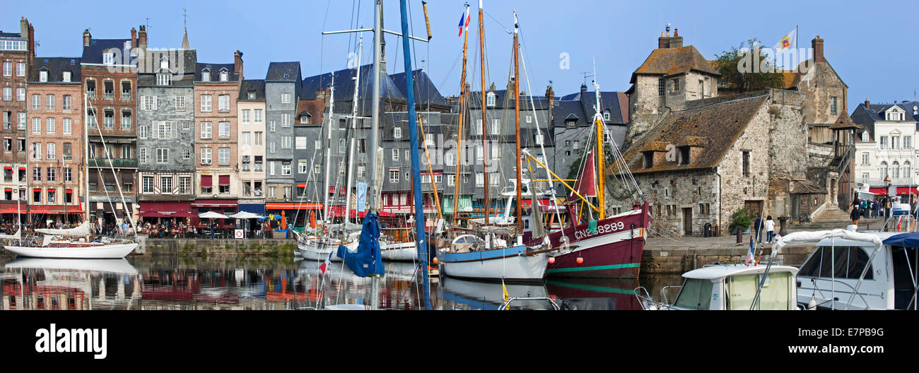 Old harbour / Vieux Bassin with its Lieutenancy and houses with slate-covered frontages at Honfleur, Normandy, France - Stock Image