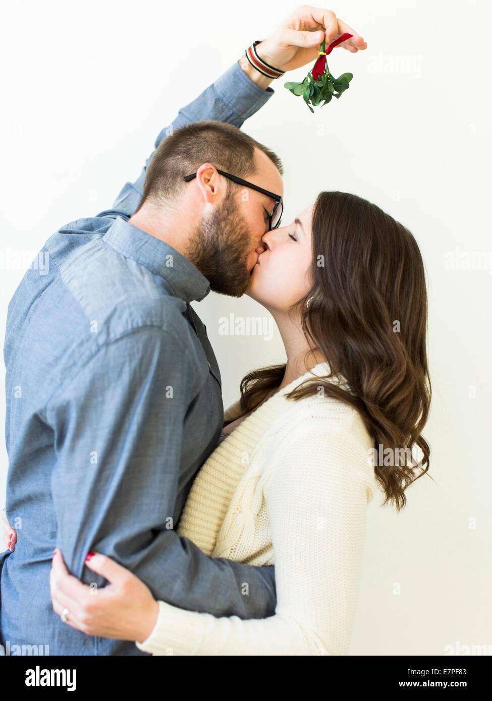 Under the mistletoe dating