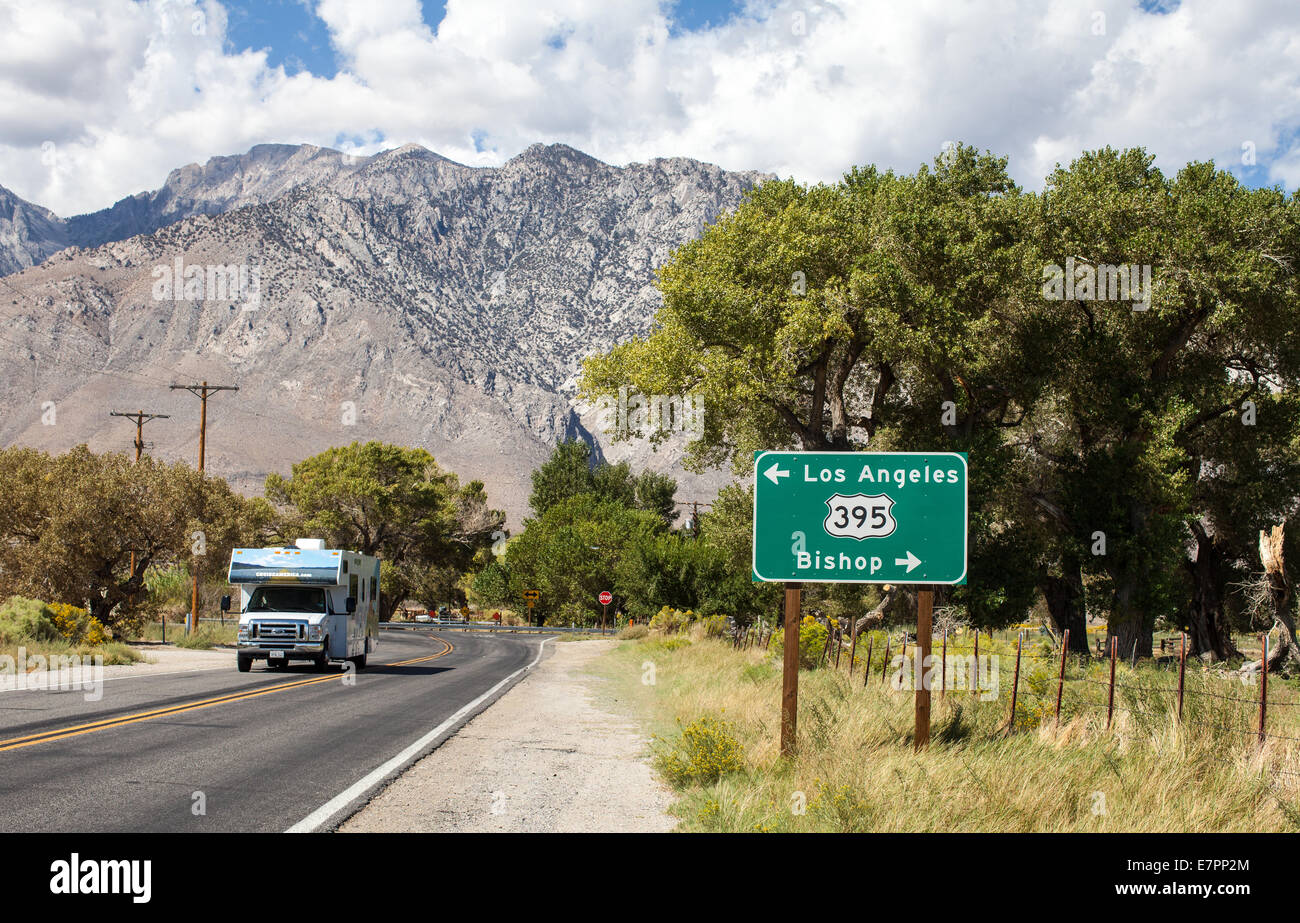 A sign for Highway 395 Los Angeles and Bishop, California
