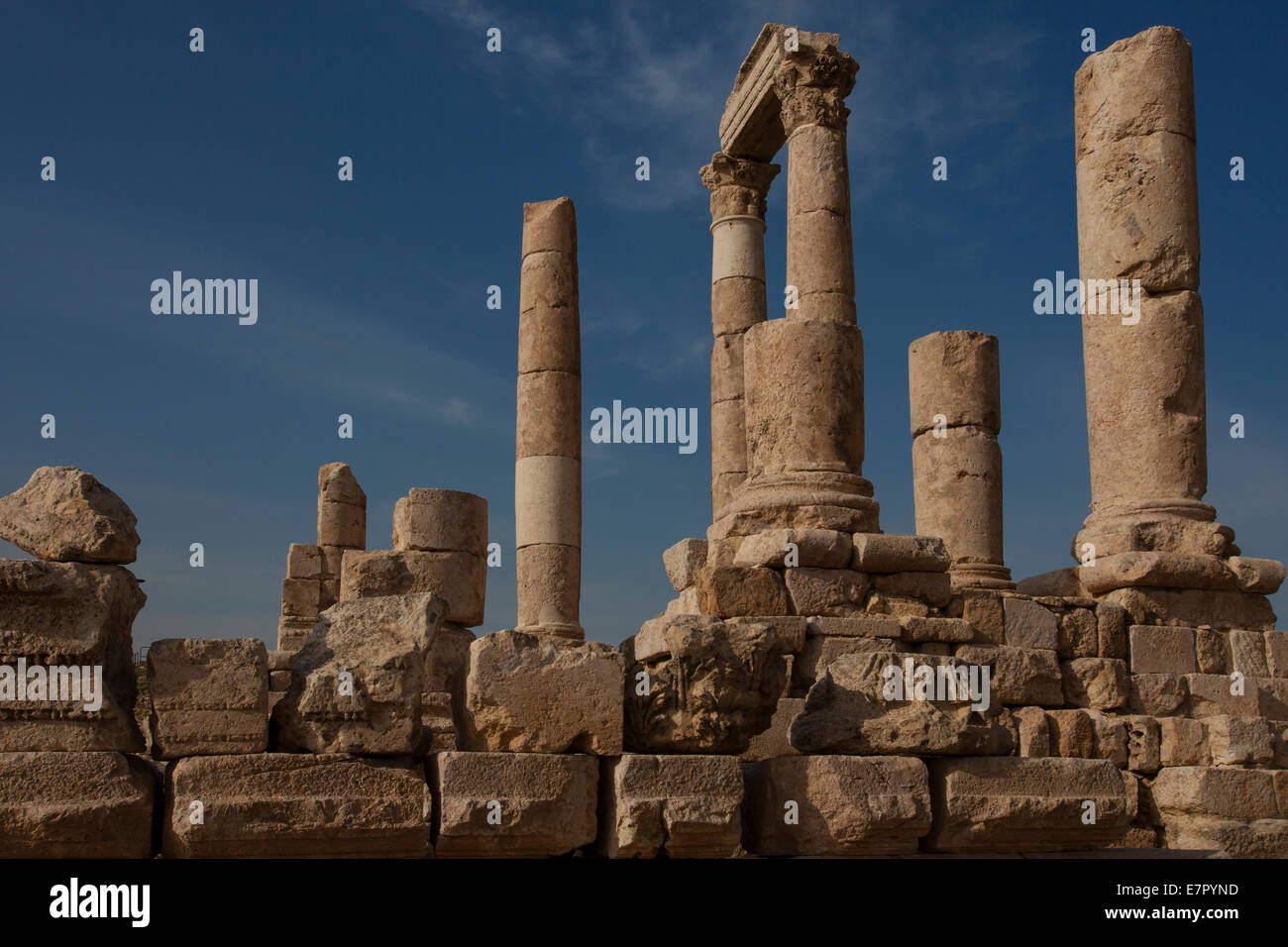 Ruins of the Citadel. Jebel al-Qalaa, Qala hill, columns of the roman Hercules temple in Amman Jordan Stock Photo