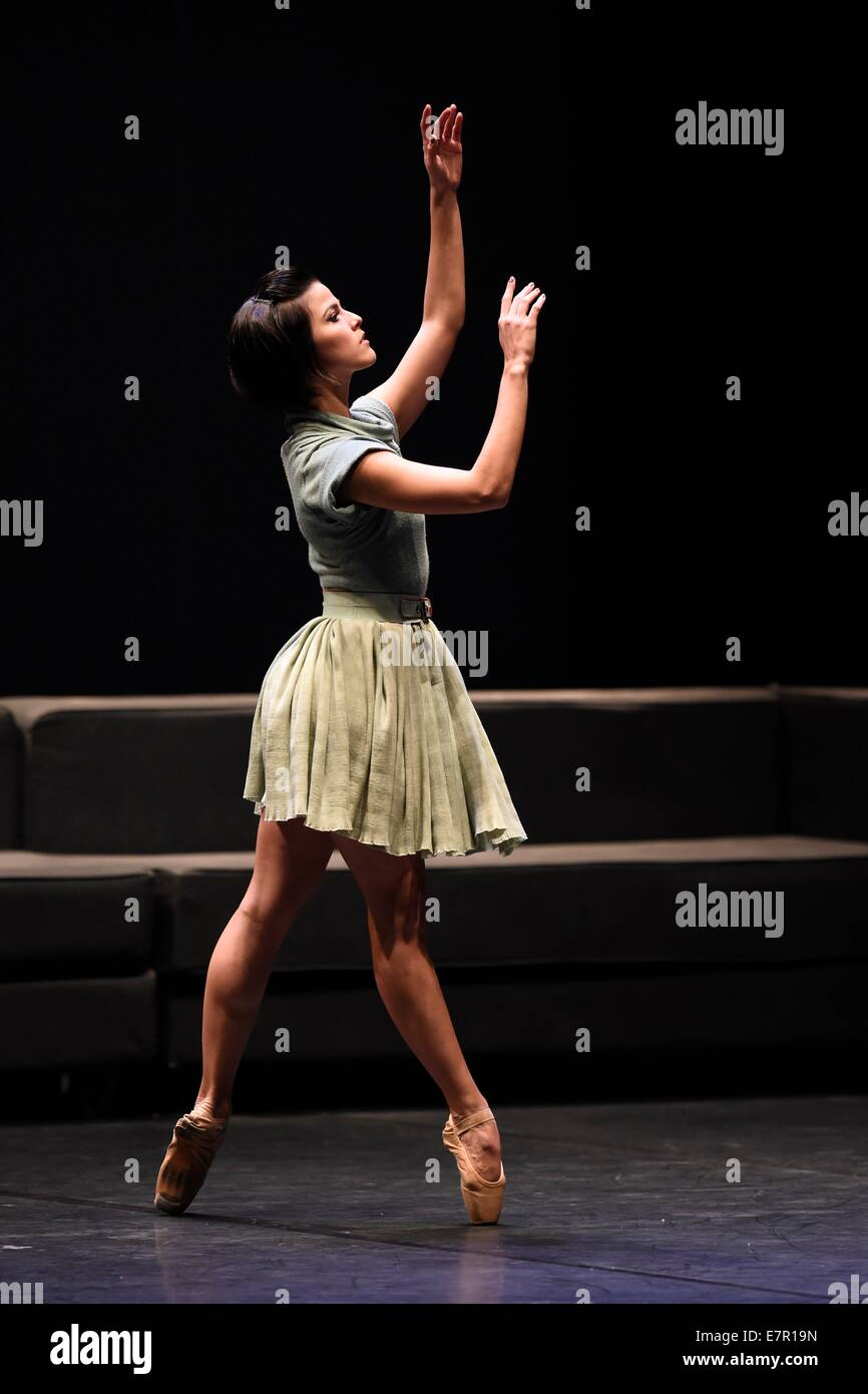 Montevideo, Uruguay. 22nd Sep, 2014. A dancer of Deborah Colker's Troupe performs during the dance show 'Belle', - Stock Image