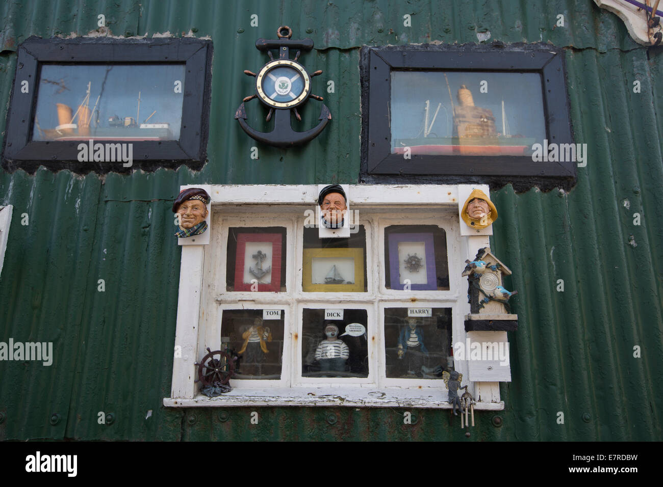 A decorated house wall in the historic Footdee area of Aberdeen, Scotland. - Stock Image