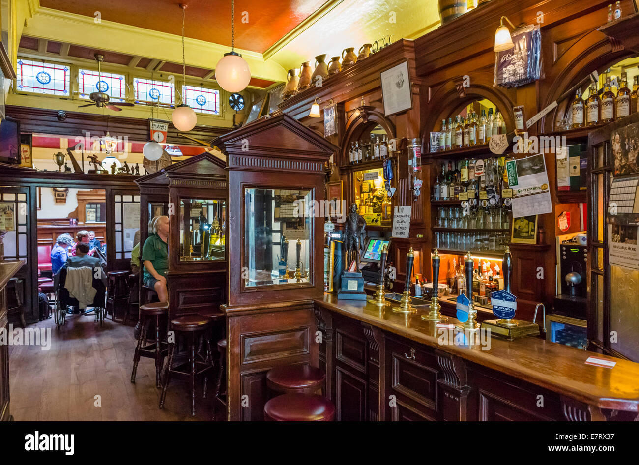 the palace bar a traditional victorian pub in the city centre fleet stock photo 73669435 alamy. Black Bedroom Furniture Sets. Home Design Ideas