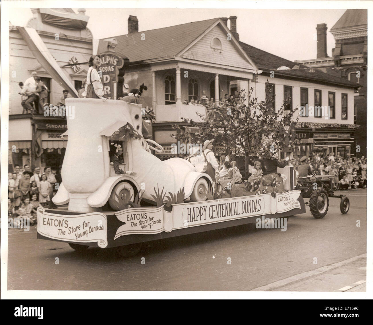 As part of the Dundas Centennial of incorporation as a town in 1947, a parade was held on July 1. The parade began - Stock Image