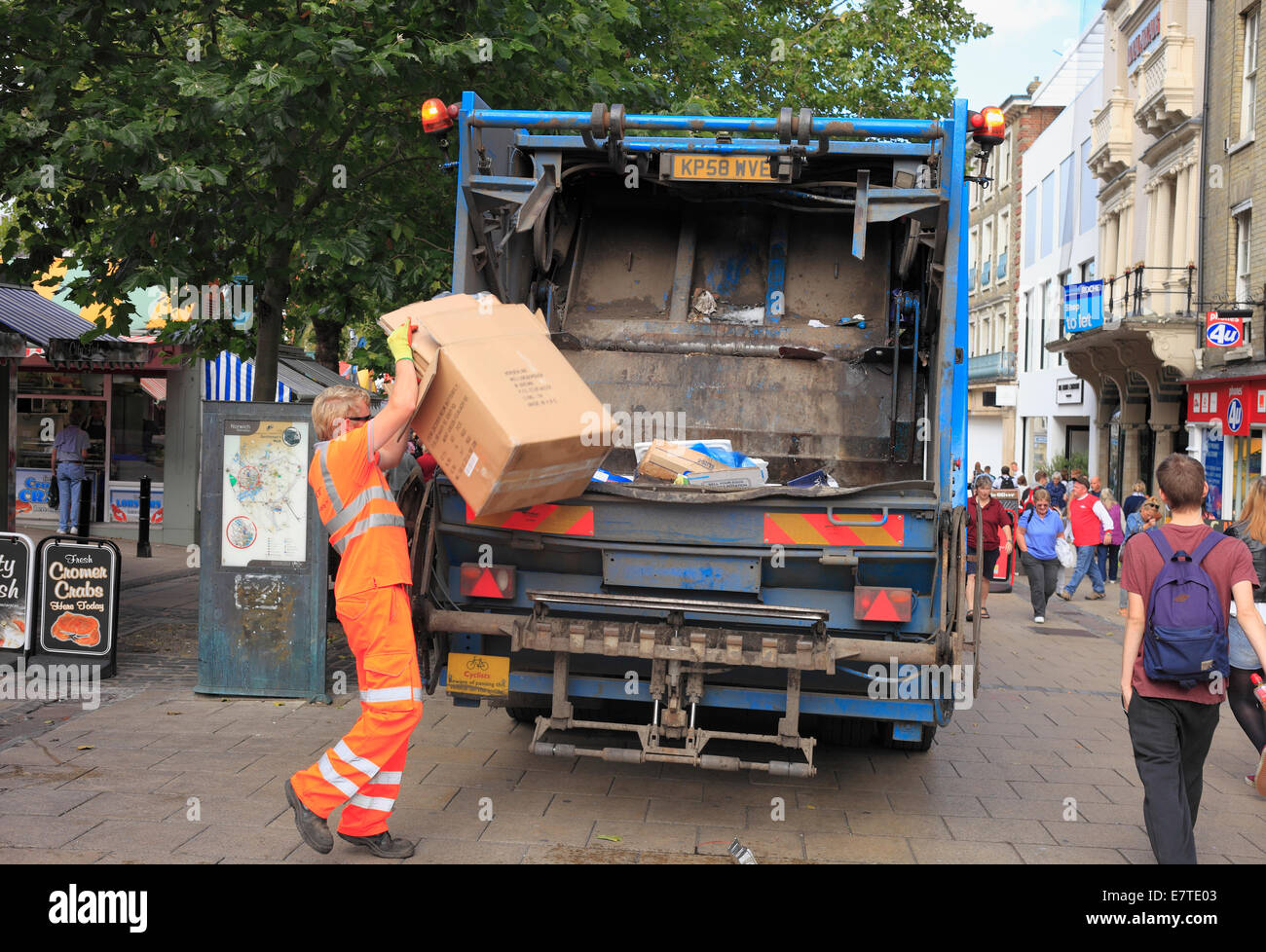 ad99e933e0 Viridor refuse lorry collecting recycling waste in Norwich city centre. -  Stock Image