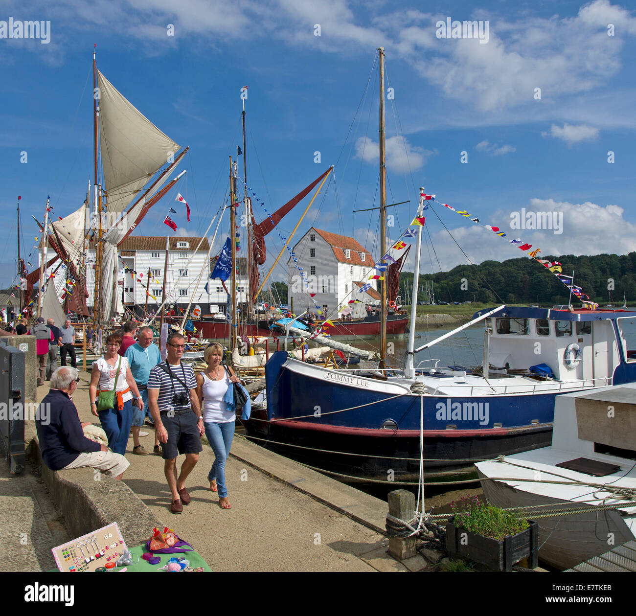 Visitors to the Woodbridge Waterfront festival towards the Tide Mill - Stock Image