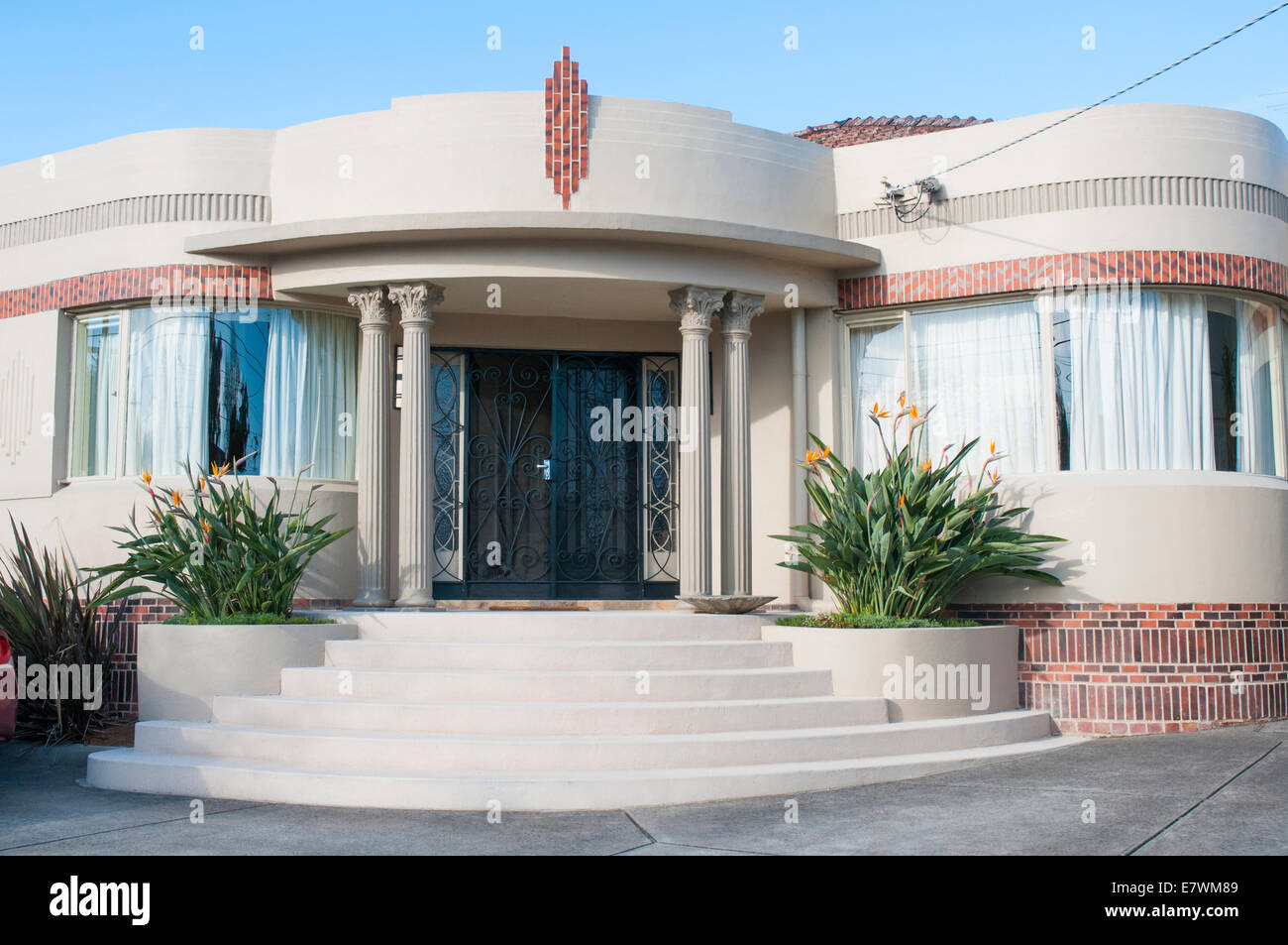 Waterfall (art deco) style homes in a Melbourne suburb usually dating 1940- & Art Deco Architecture Home Stock Photos \u0026 Art Deco Architecture Home ...