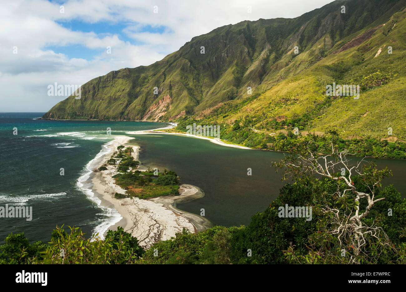 Countryside with a beach on the coast, Grande Terre, New Caledonia - Stock Image