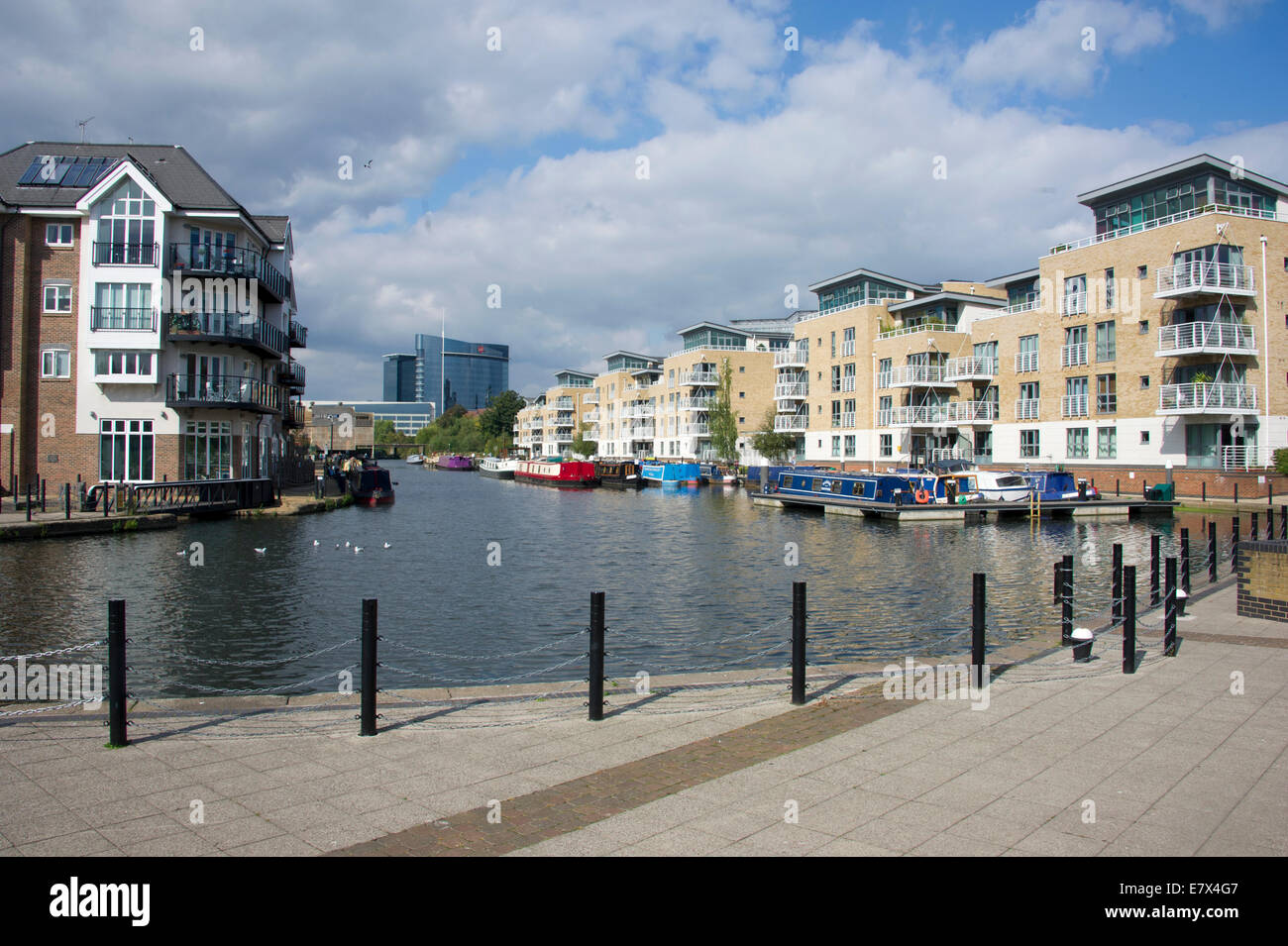 the Grand Union Canal Brentford Lock, West London - Stock Image