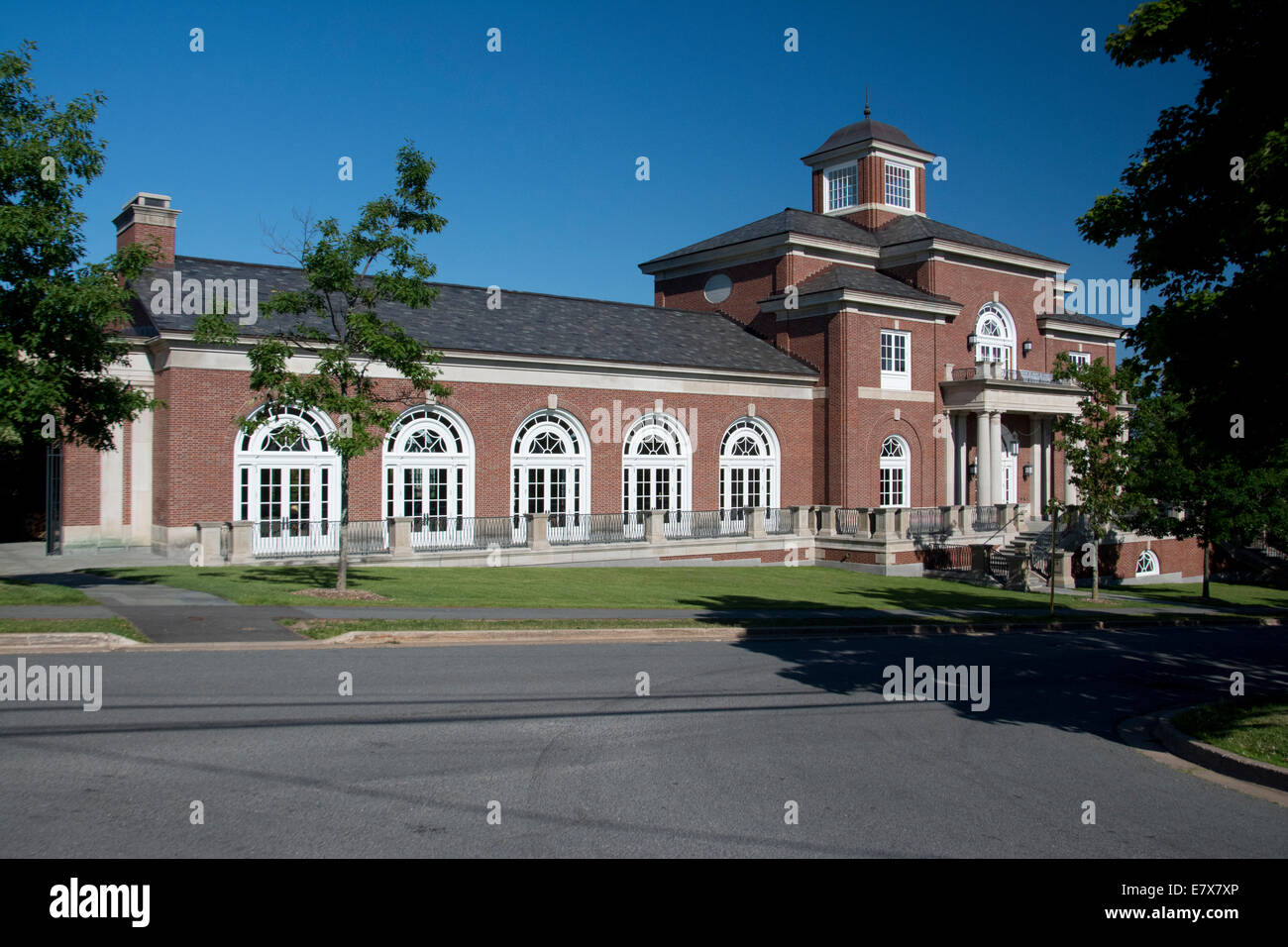 A viw of the K.C. Irving Centre at Acadia University. - Stock Image