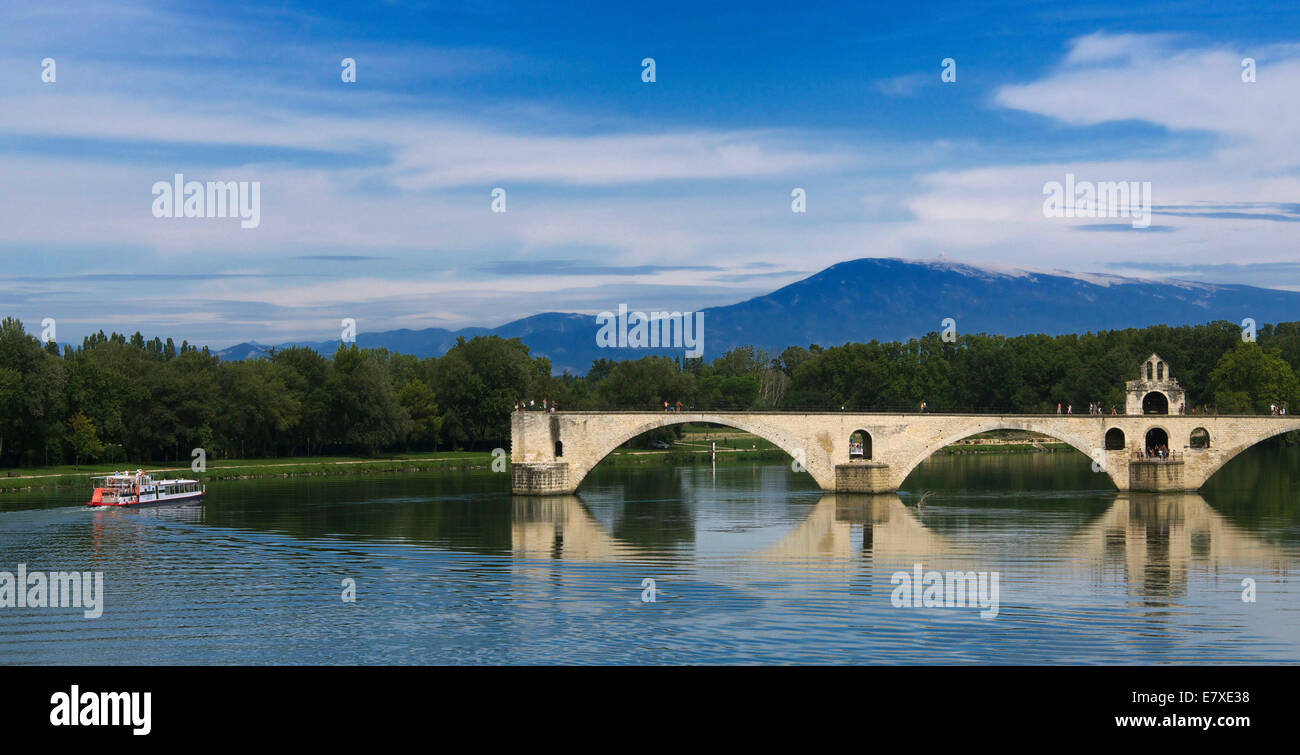 Saint Benezet bridge over the river Rhone , view on Mont Ventoux, Avignon, Vaucluse, Provence-Alpes-Cote d'Azur, - Stock Image
