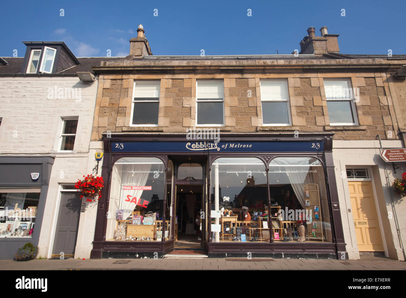 Shops on Market Square, Melrose pretty market town in the Scottish Borders, Roxburghshire, Scotland, United Kingdom - Stock Image