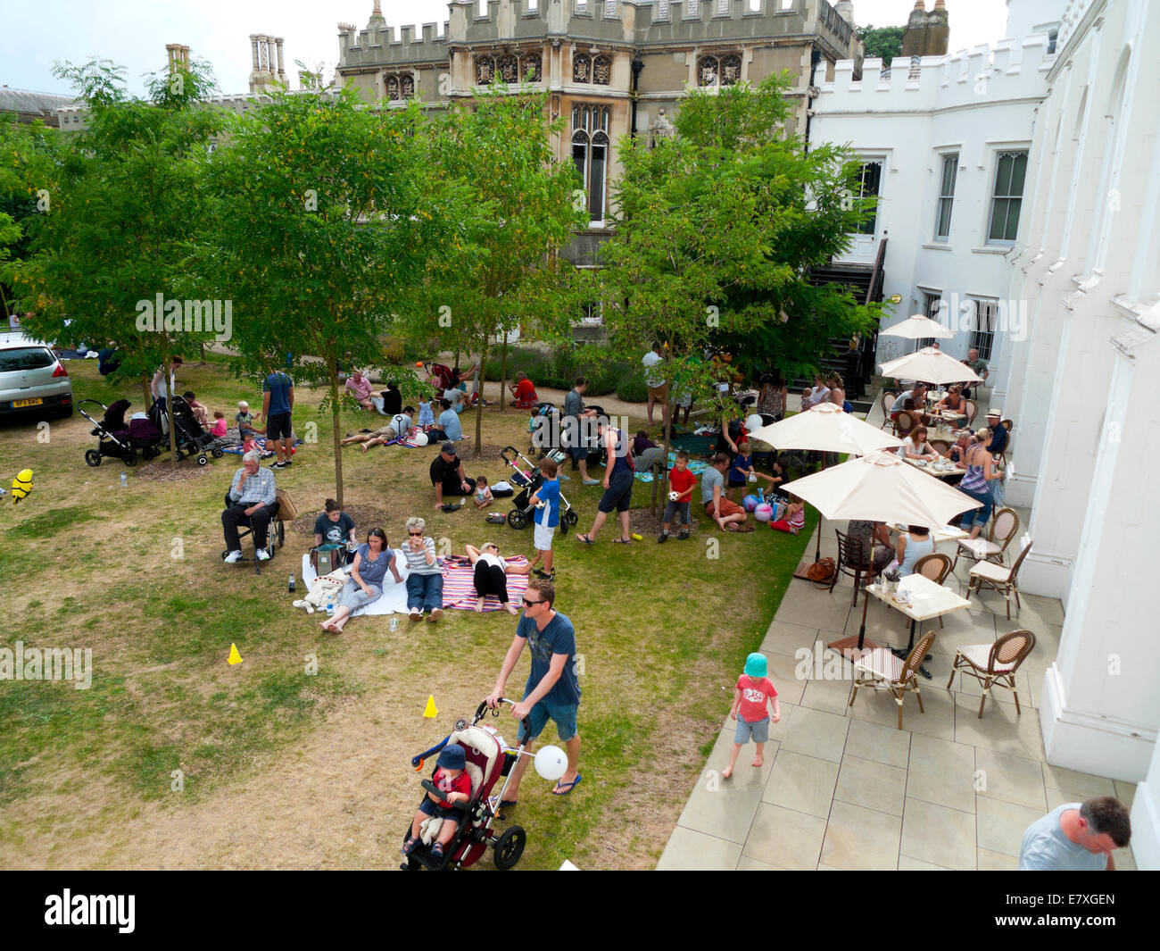 Garden Party at Strawberry Hill House, Twickenham, London UK  KATHY DEWITT - Stock Image
