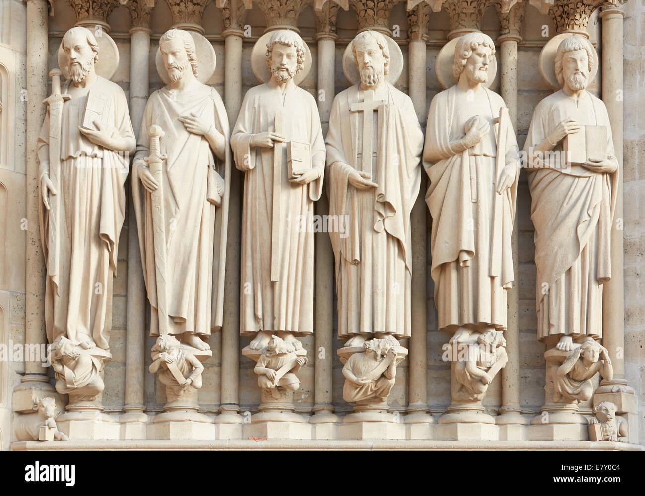 Notre Dame de Paris statues of saints - Stock Image