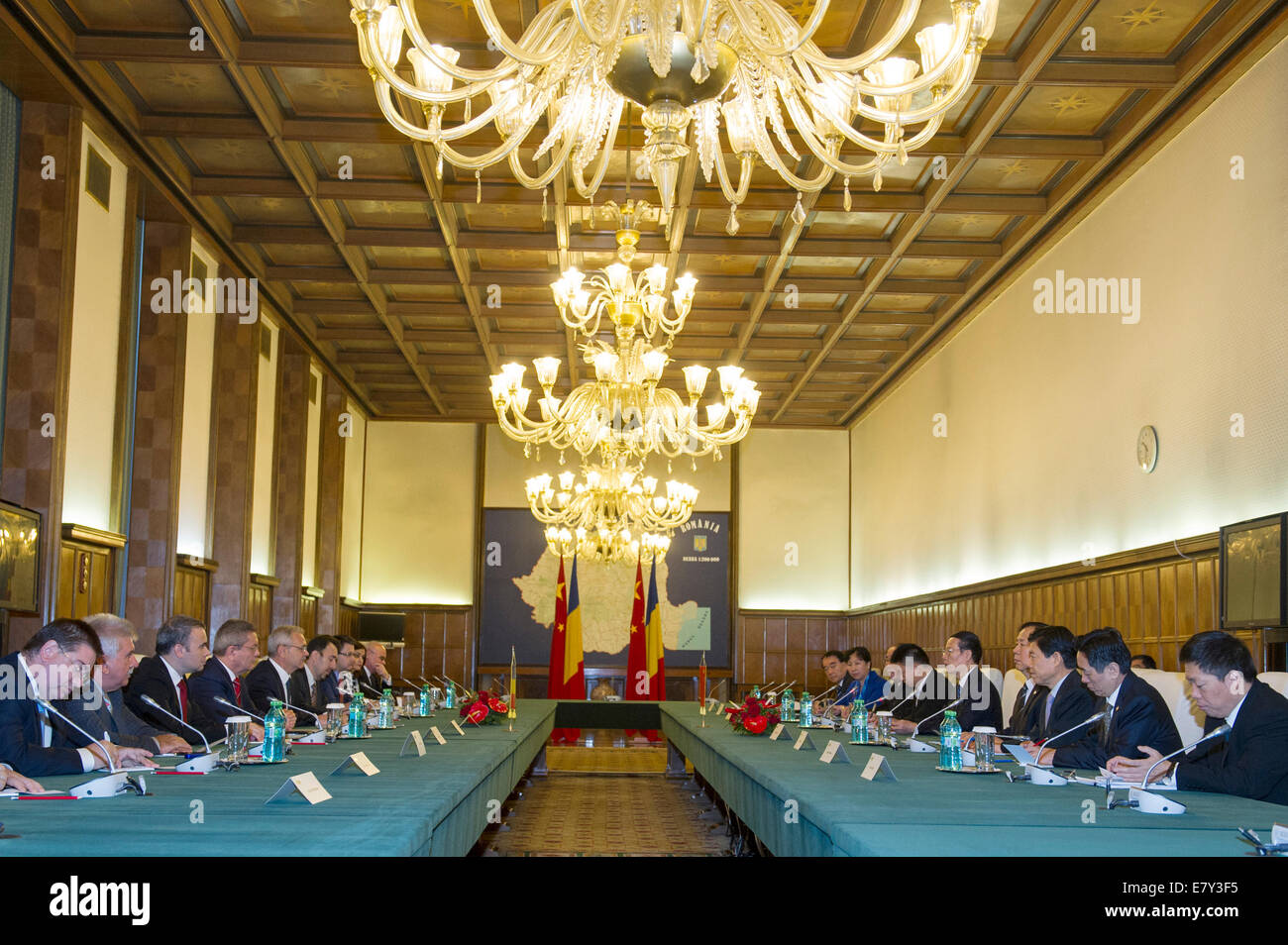 Bucharest, Romania. 25th Sep, 2014. Chinese Vice Premier Zhang Gaoli (5th R) holds talks with Romanian First Deputy - Stock Image