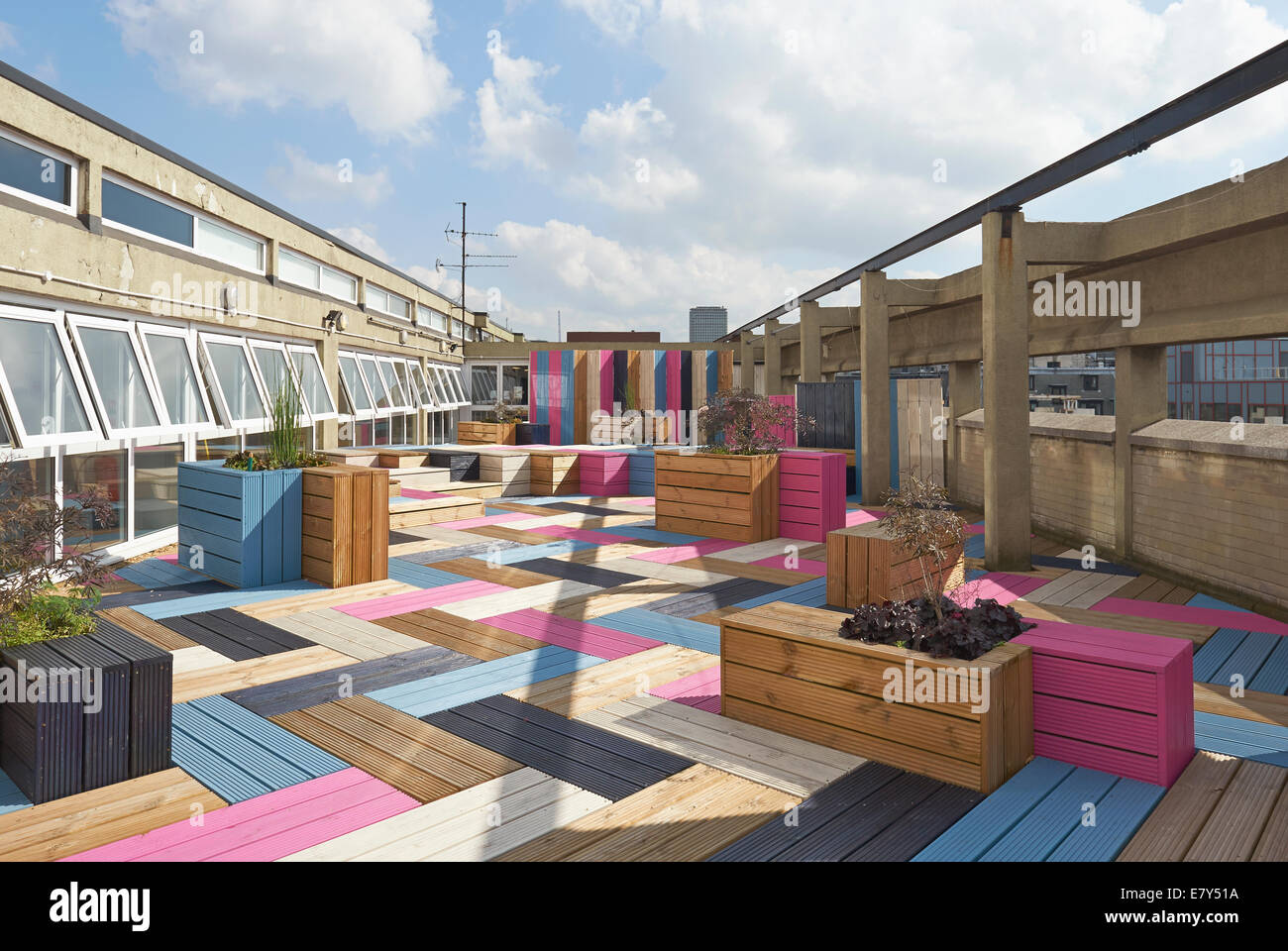 Overall View London College of Fashion Roof Terrace designed by Studio Weave - Stock Image