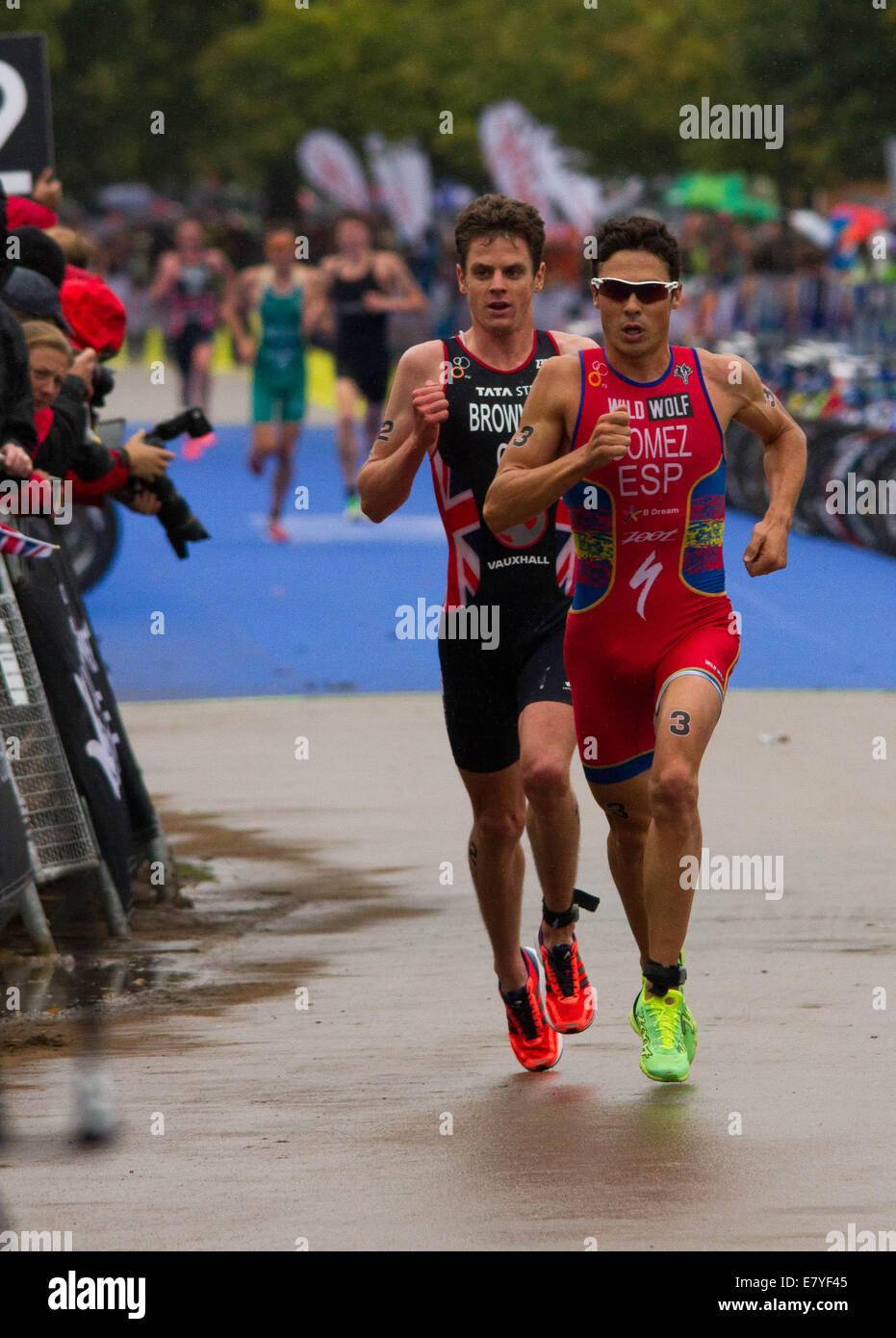 Jonny Brownlee and Javier Gomez during the 2013 Triathlon held in London - Stock Image