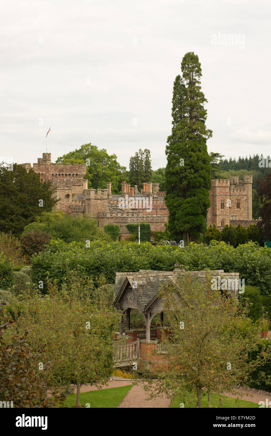 Hampton Court Gardens Stock Photos & Hampton Court Gardens Stock ...
