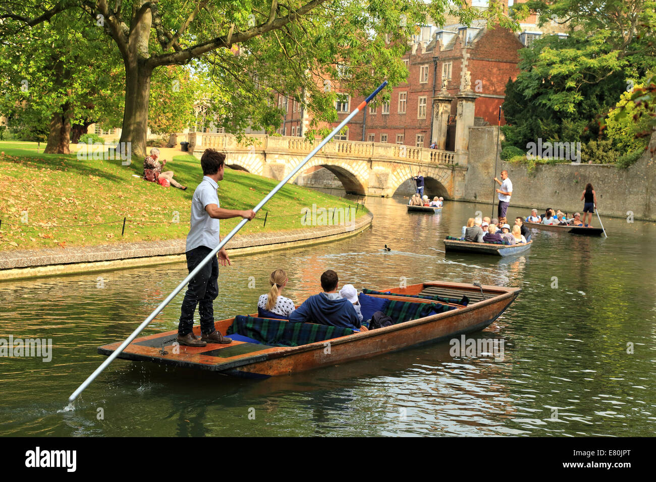 Punting in front of St John's college, Cambridge, UK. - Stock Image