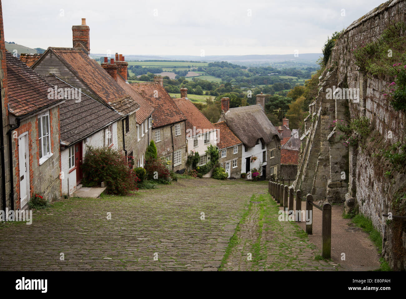 Gold Hill and view over Blackmore Vale Shaftesbury, Dorset - Stock Image