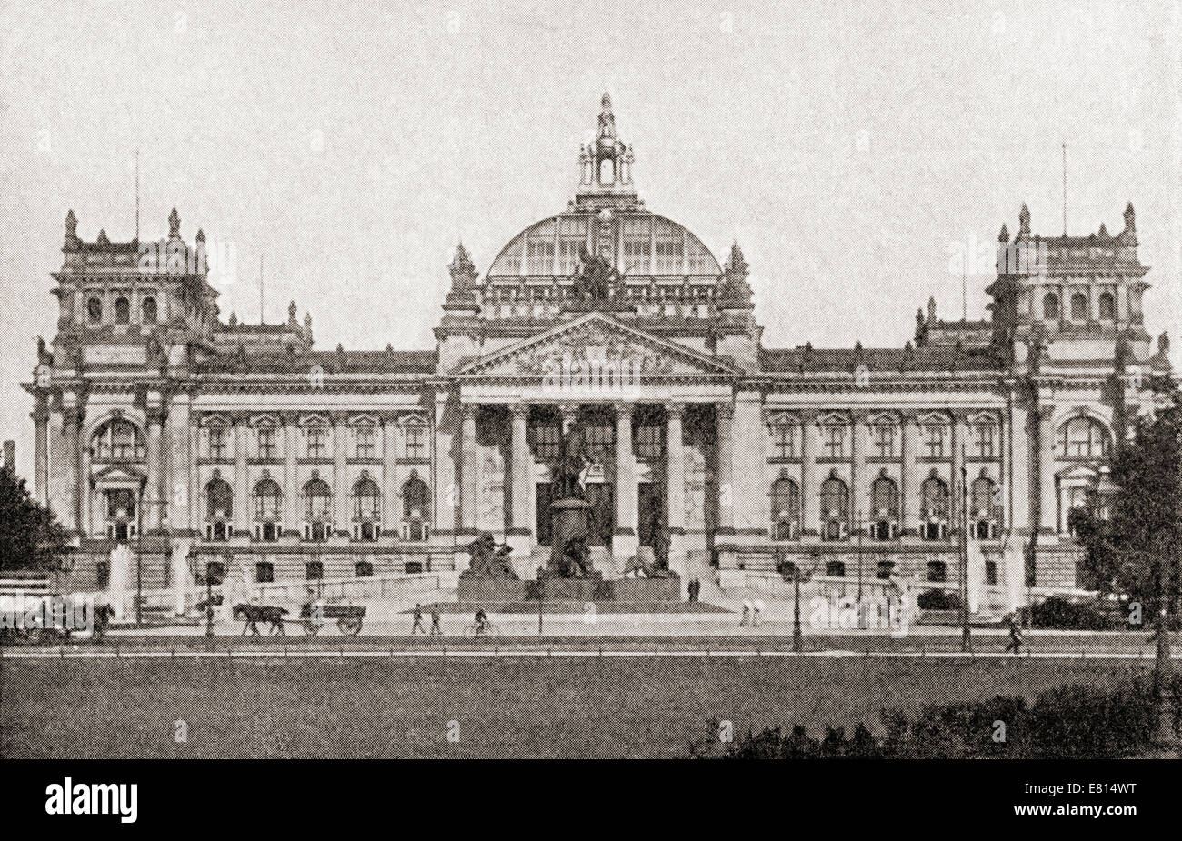 The Reichstag building, Berlin, Germany prior to the great war.  From The History of the Great War, published c. - Stock Image