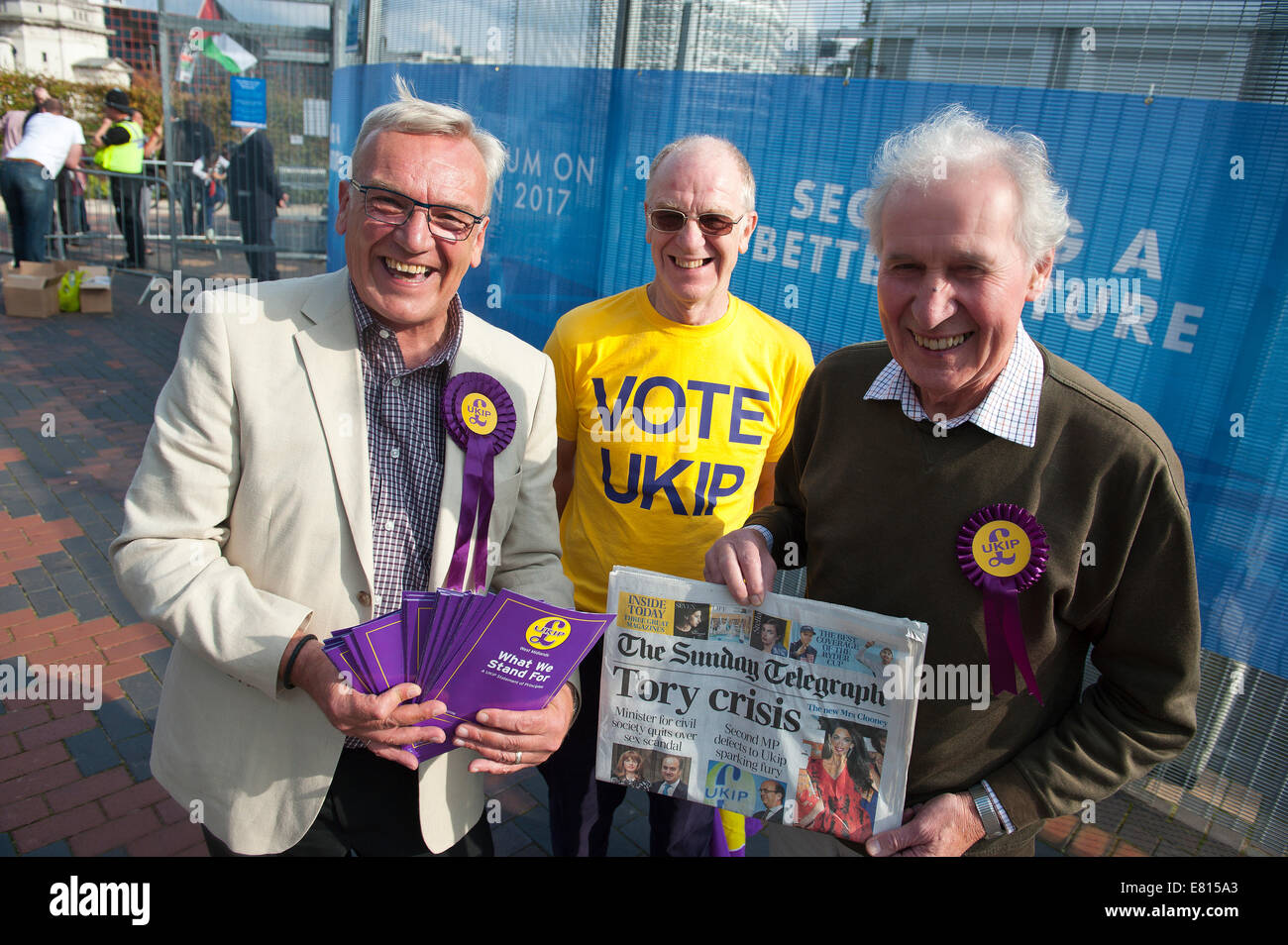 Birmingham, West Midlands, 28th September, 2014.  Mike Green (L) prospective UKIP parliamentary candidate for Burton - Stock Image