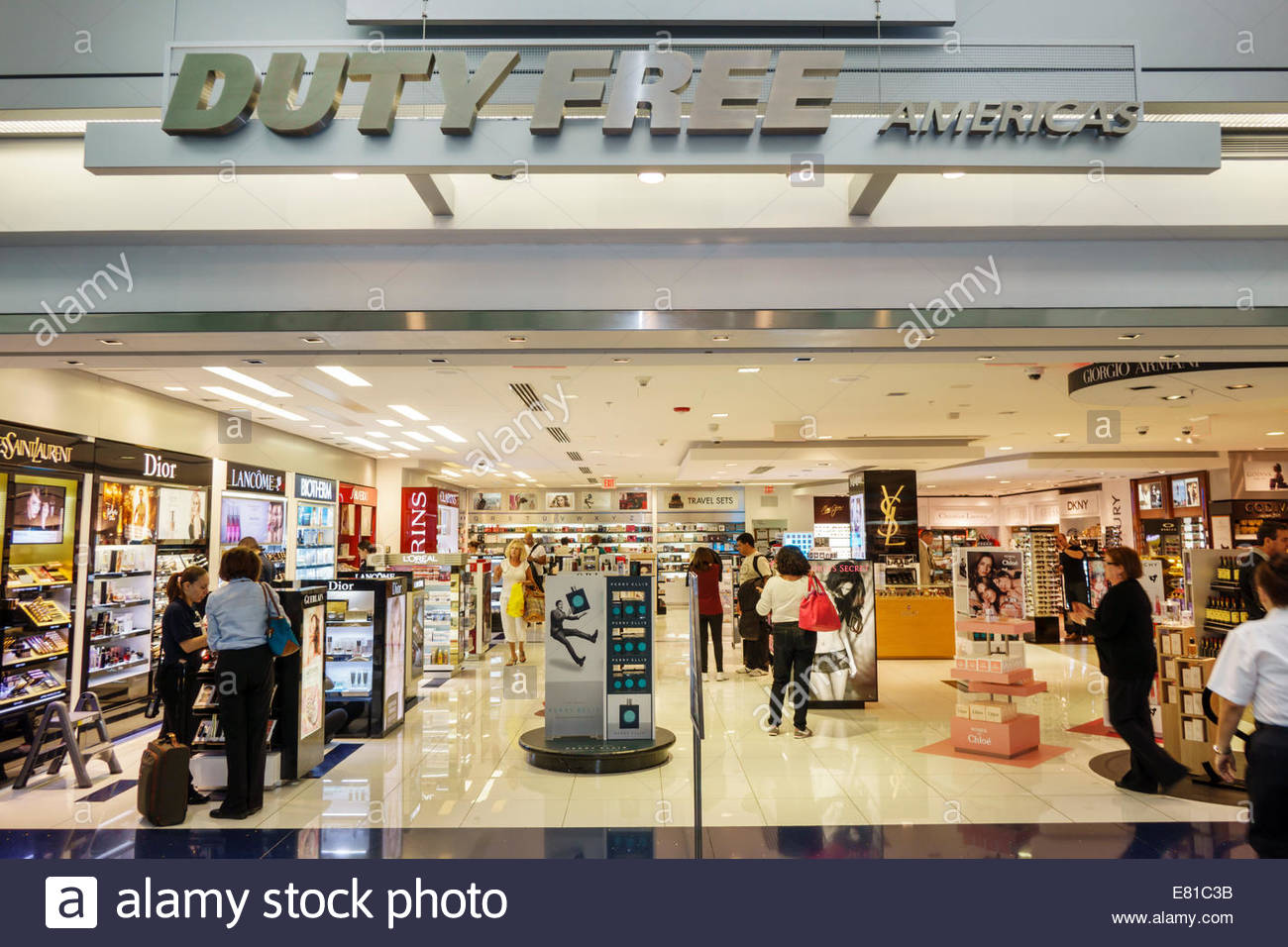 By experiencing Miami International Airport in the most Miami way possible. Here, we offer you the most Miami places to eat, drink and shop in our airport. You don't need to go to Sbarro.