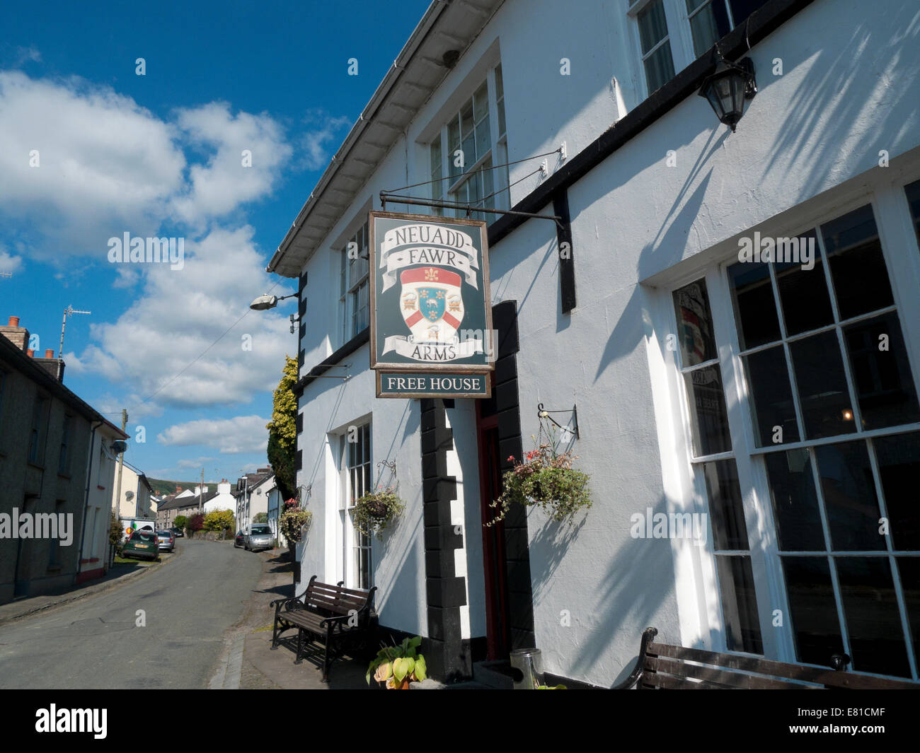 NEUADD ARMS PUB in the village of Cilycwm, Carmarthenshire Wales UK  KATHY DEWITT - Stock Image