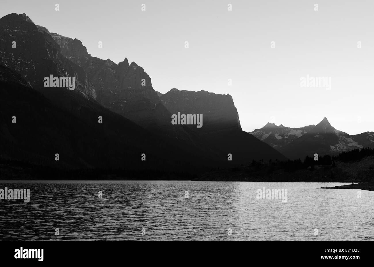View of Saint Mary Lake and mountains in Glacier National Park, Montana from the Rising Sun picnic area. - Stock Image