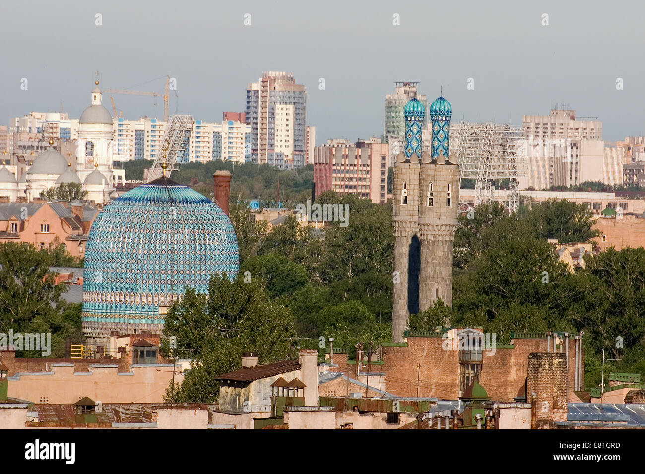 The view on Saint-Petersburg mosque with two minarets. St. Vladimir's Cathedral - Stock Image