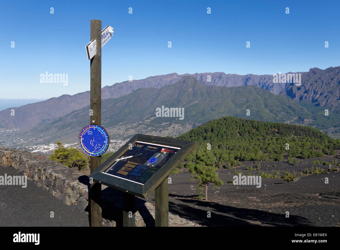 Astronomical viewpoint Llano de Jable near El Paso, Caldera de Taburiente National Park at the back, La Palma, Canary - Stock Image