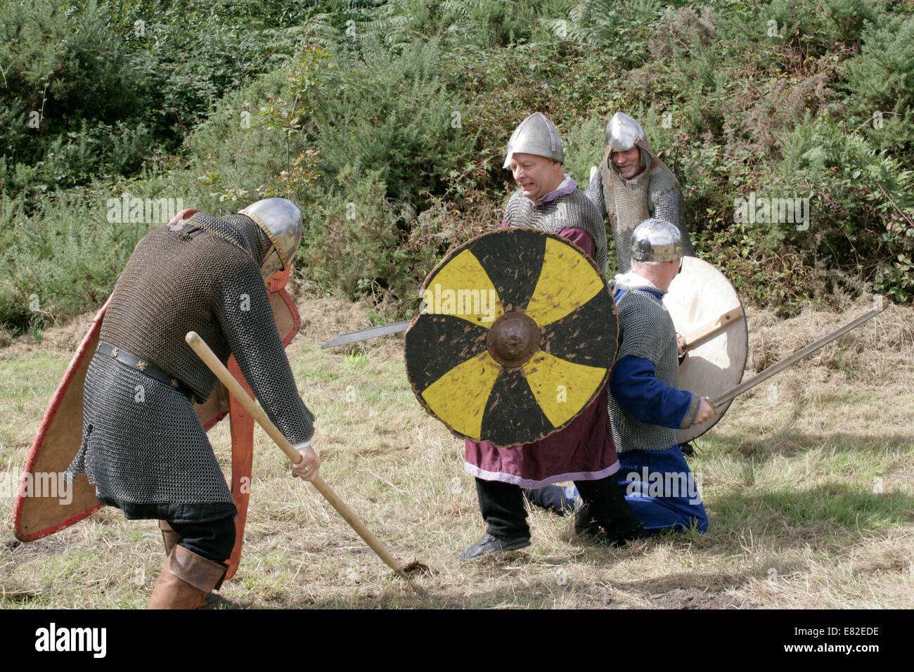 medieval soldiers fighting - Stock Image