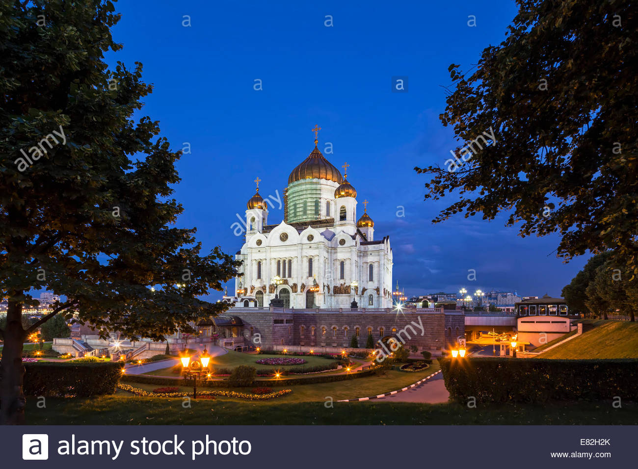 Russia, Moscow, Cathedral of Christ the Saviour, Blue hour - Stock Image