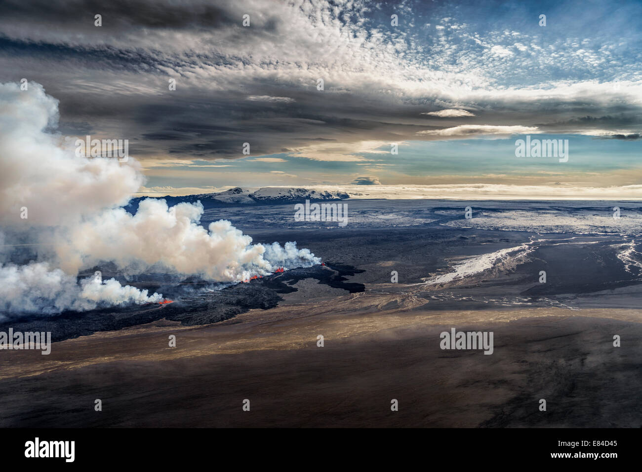 Lava and plumes from the Holuhraun Fissure Eruption by the Bardarbunga Volcano, Iceland.  Aerial view of the eruption - Stock Image