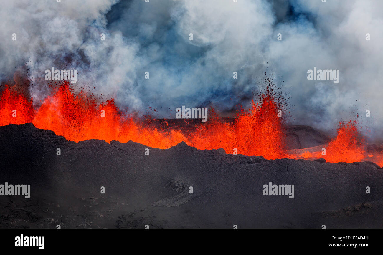 Lava fountains and Plumes- Holuhraun Fissure eruption near the Bardarbunga Volcano, Iceland. - Stock Image