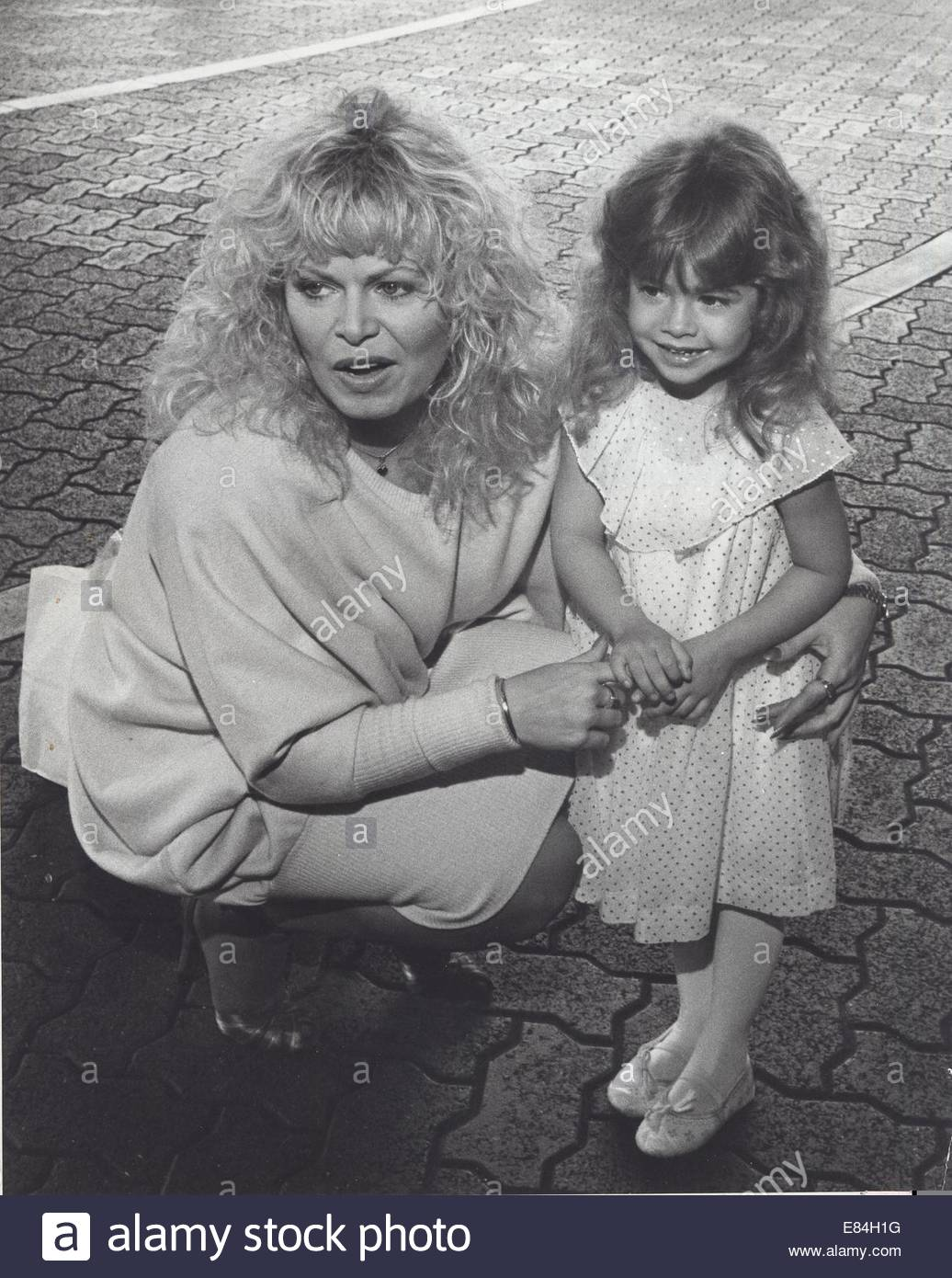 Sally Struthers Nude Photos 14