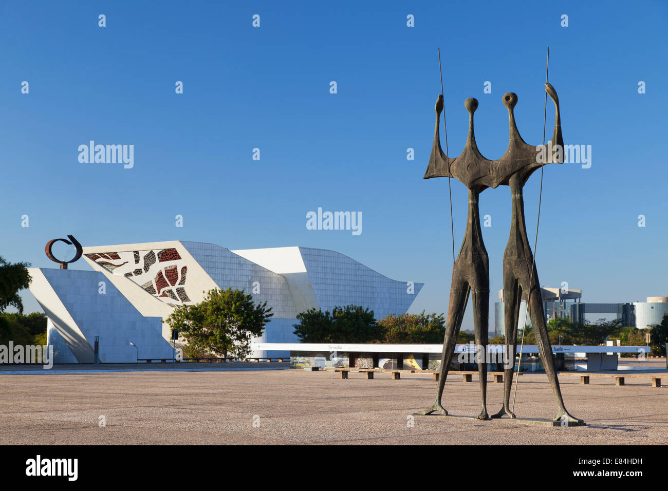 National Pantheon and Dois Candangos (Two Labourers) sculpture in Three Powers Square, Brasilia, Federal District, - Stock Image