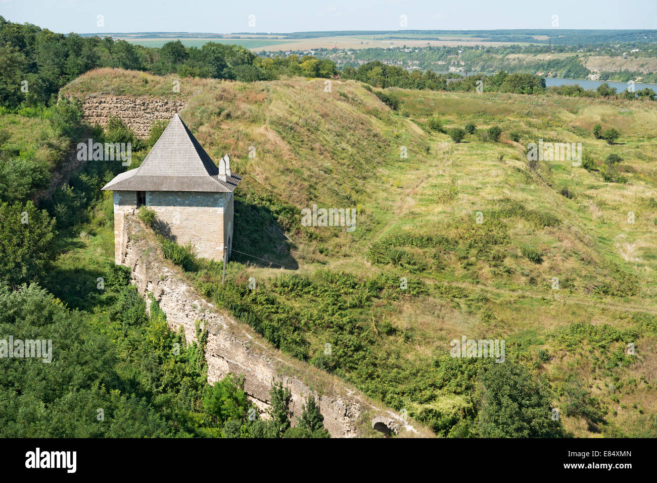 Khotyn fortress: Yaski Gate, Western bastion and wall - Stock Image