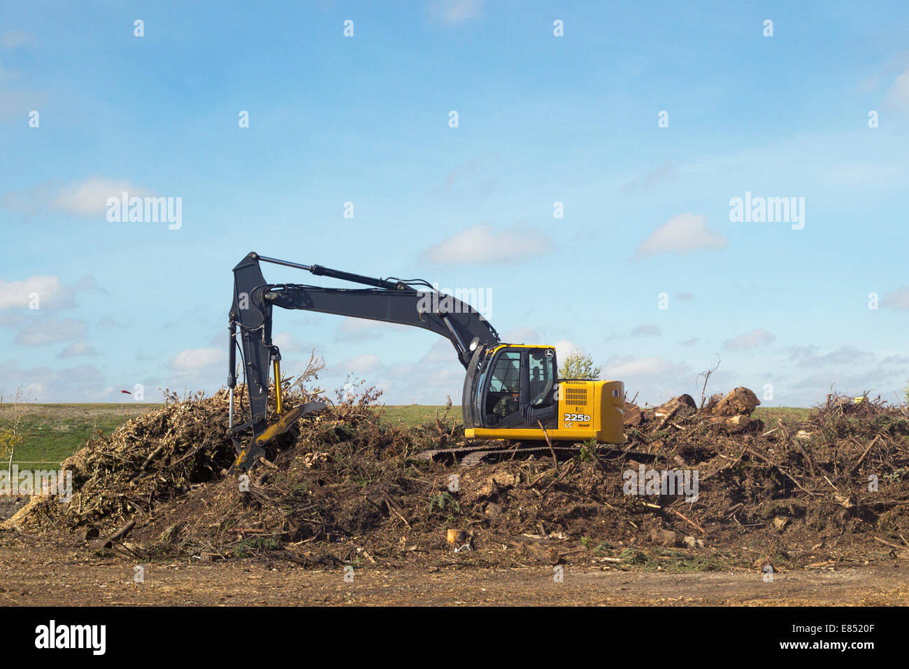 windrow composting of trees for mulch at shepard waste management stock photo 73870063 alamy. Black Bedroom Furniture Sets. Home Design Ideas