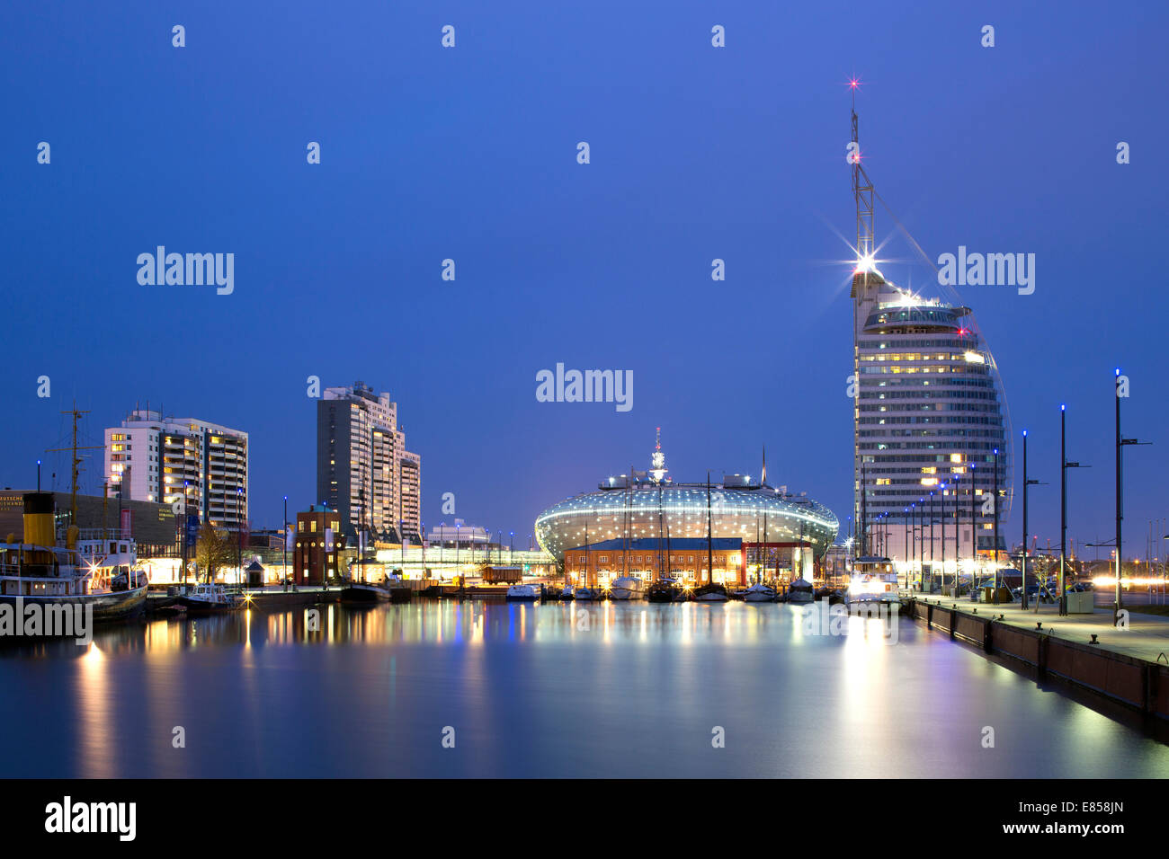Mediterraneo shopping centre, Atlantic Hotel Sail City, Klimahaus Bremerhaven, Columbus Center, Havenwelten, Neuer - Stock Image