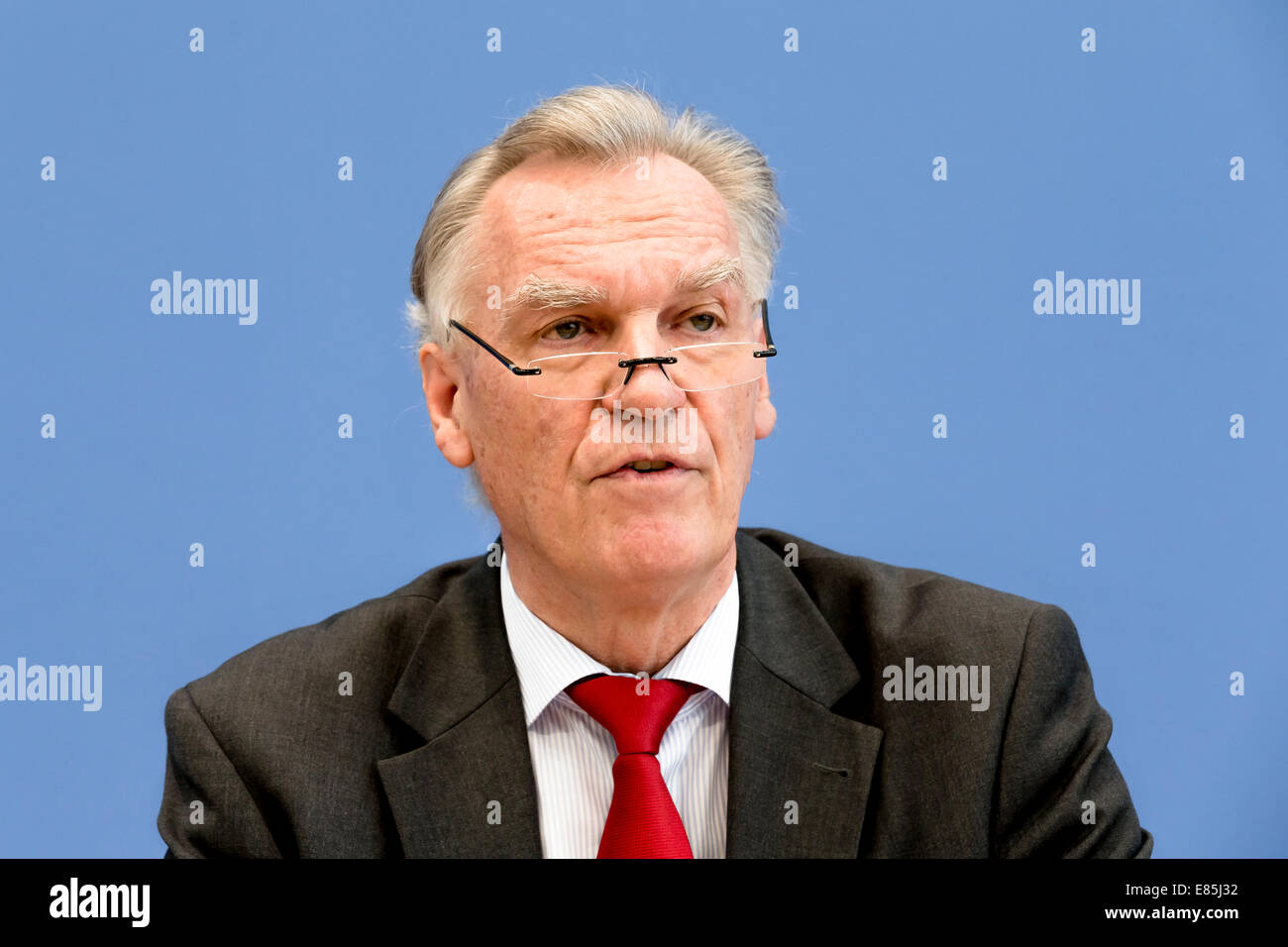 Berlin, Germany. 1st Oct, 2014. Dr. Thomas de Maizière, Minister of the Interior,  and the president of the - Stock Image