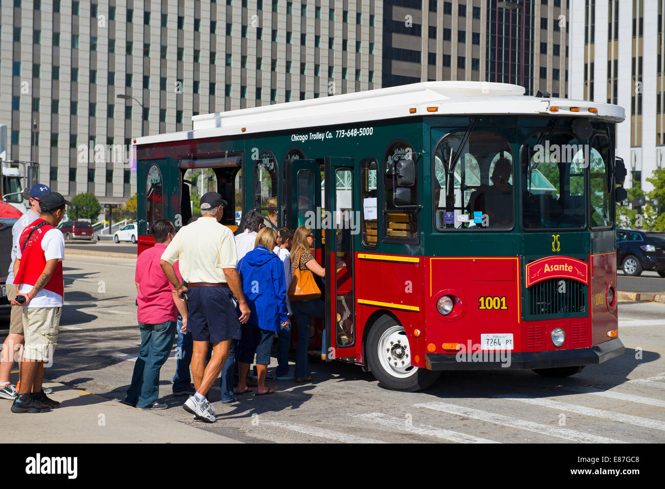 Chicago Trolley, Millennium Park Shuttle Service - Stock Image